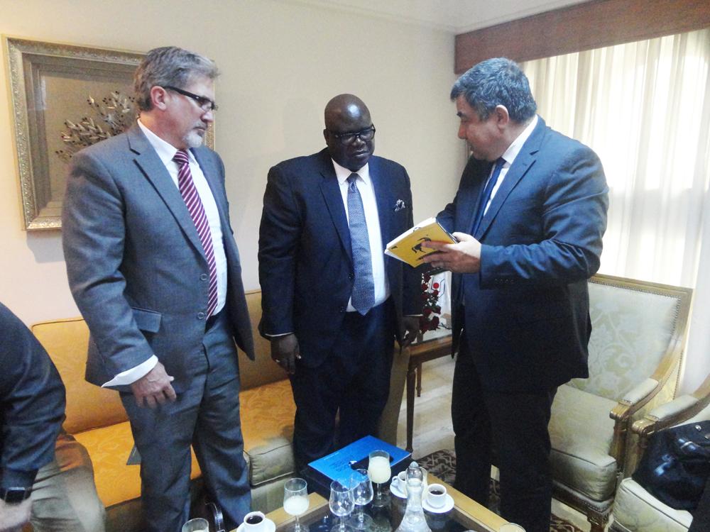 M. Jacques ETIENNE, Attaché Commercial, Ambassade des Etats-Unis à Tunis lors de sa visite à la CCIS